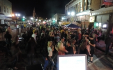 uw-homecoming-street-dance-05.jpg