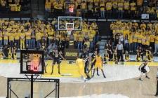 uw-mens-basketball-06.jpg